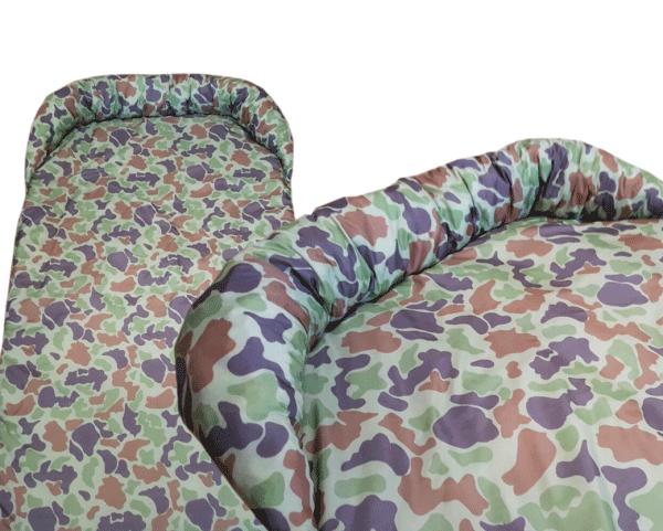 Legowisko ortalionowe typu protektor na kanapę lub fotel moro zielone